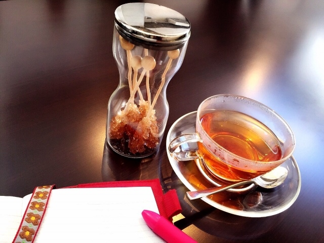 抗酸化作用アリ!同じカフェインでもコーヒーよりも紅茶が美容に良い理由