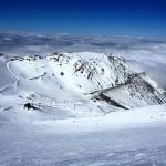人気のアクティビティ マウントハットでスキーは格別!